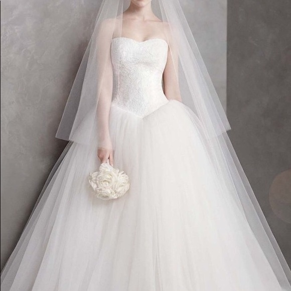 White By Vera Wang Dresses Vera Wang Chantilly Lace Wedding Dress